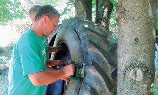 Vyrezanie pneumatiky