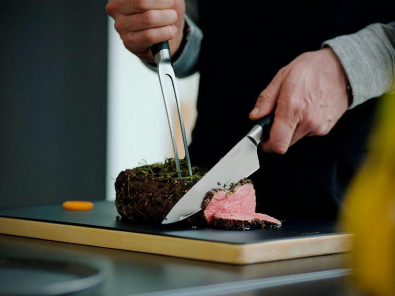 Grilovacia sezóna je tu. Skúste okrem mäsa hodiť na gril aj syr či zeleninu
