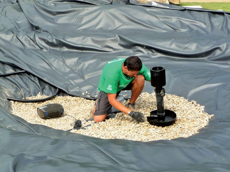 Výstavba jazierka - skimer a čerpadlo