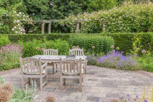 Spevnené plochy v záhrade ako štýlotvorný prvok