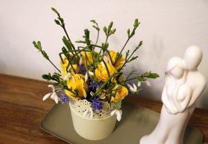 Urobte si radosť s jarnou dekoráciu plnou kvetov