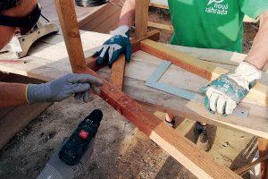 Spájanie dvoch drevených konštrukcií