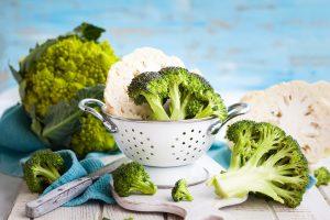 Karfiol a brokolica v miske