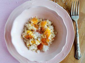 Mliečna ryža s marhuľami a kokosom