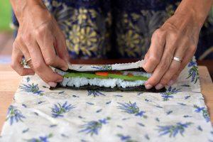 Zavinovanie riasy nori na sushi
