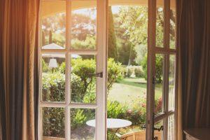 Záhrada, pohľad z terasy