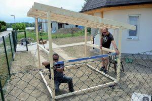 Stavba záhradného domčeka