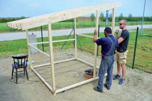 Stavba záhradného domčeka - umiestnenie dverí