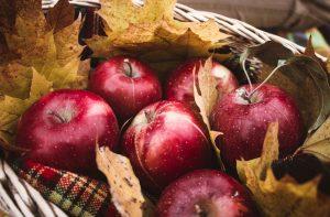 Jablká v košíku
