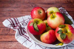 Jablká na tanieri