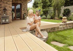 10 výhod, ktoré prináša terasa z kvalitného drevoplastu