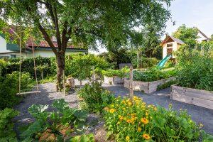 Záhrada s vyvýšenými záhonmi